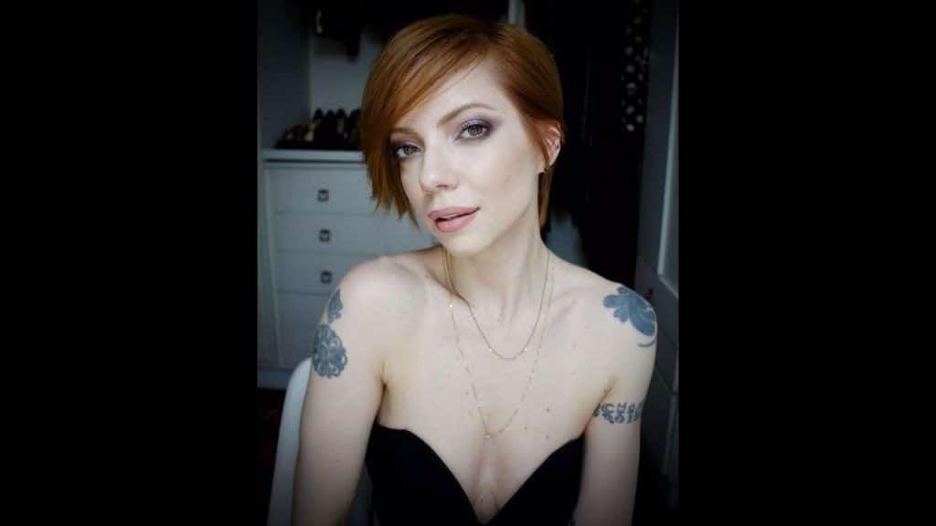Julia Petit Passo a passo do cabelim - maquiagem