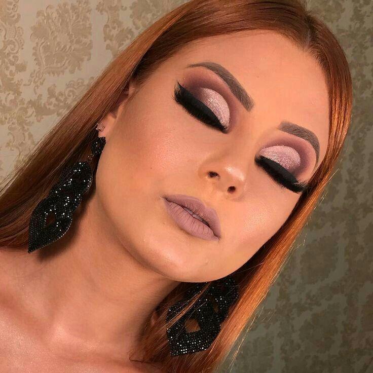 Curso de Maquiagem Profissional Online Com Certificado. Saiba mais: