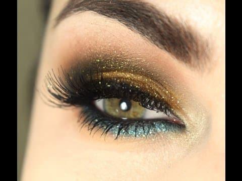 Maquiagem brilhante com dourado e azul