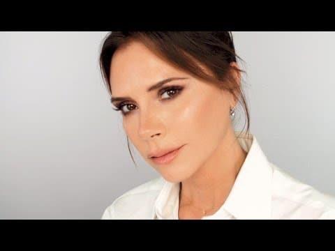Victoria Beckham faz a minha maquiagem (e eu faço a dela!)