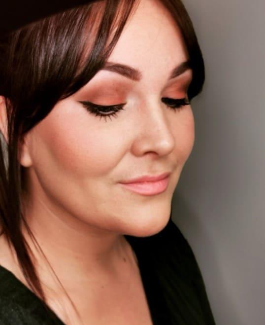 Look de maquiagem da primavera no Reino Unido 2020