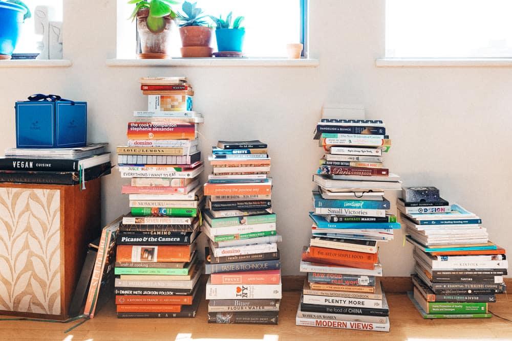 Livros para ler e beleza de propriedade negra para fazer compras