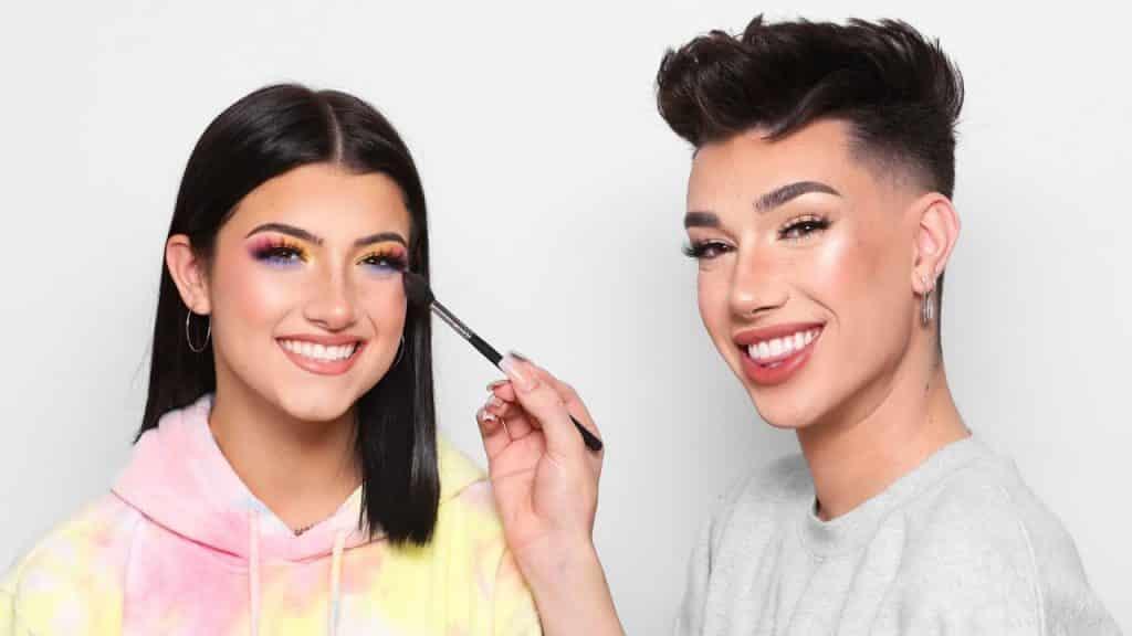 Fazendo maquiagem de Charli D'Amelio!